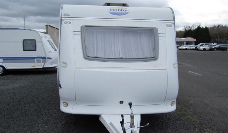Hobby 400 SF, model 2008 + mover + před stan plná