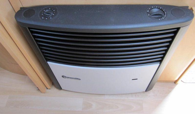 Hobby 460 UFE, r.v.2004 + kompletní před stan plná