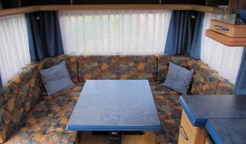 Hobby 495 UF, r.v.2000 + kompletní před stan plná