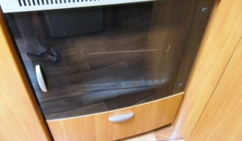 Hobby 495 UFE, model 2008 + mover + před stan plná