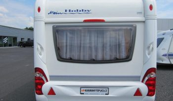 Hobby 495 UFE, model 2010 + mover + před stan plná