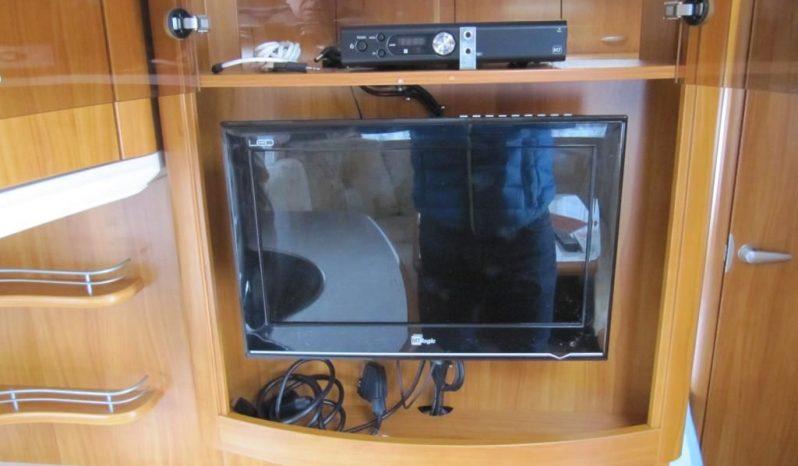 Hobby 495 UFE, r.v.2008 + mover + před stan plná