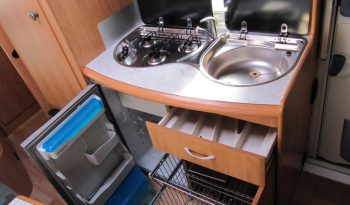 Hobby 500 KMFE, r.v.2002 + kompletní před stan + palandy plná