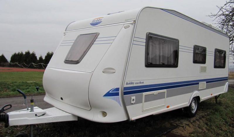 Hobby 540 UFE, model 2007 + Mover + před stan plná