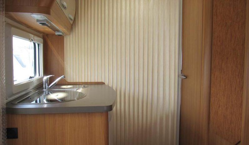 Hobby 460 LU, model 2010 + mover + před stan plná