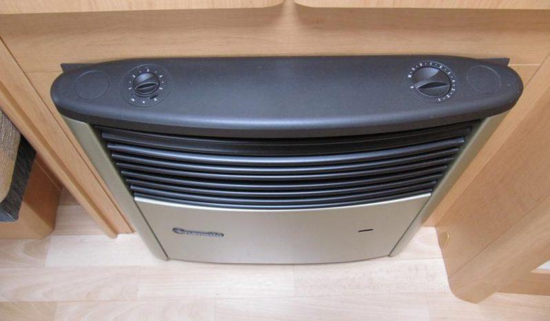 Hobby 495 UL, model 2008 + mover + satelit plná