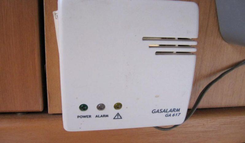 Hobby 495 UFE, r.v.2003 + mover + před stan plná