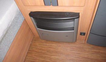 Hobby 520 TMF, model 2011 + před stan plná