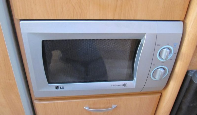 Hobby 540 UF, r.v.2006 + markýza plná