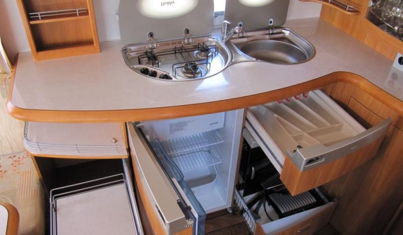 Hobby 540 ufe, model 2008 + mover + před stan plná